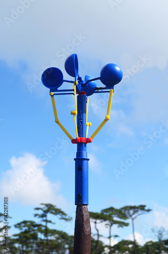 Photo Blue anemometer in camping area