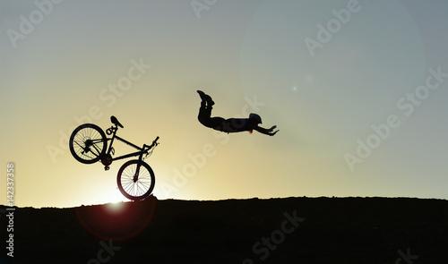 Ingelijste posters Fietsen bisiklet kazası & tehlikeli bisiklet sürüşü