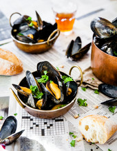 Steamed Mussels And Crusty Bread