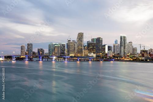 Cadres-photo bureau Batiment Urbain Miami downtown skyline