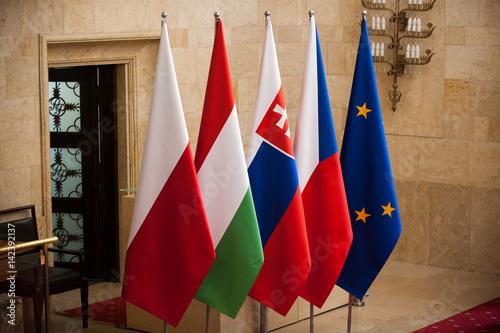 Fototapeta flagi Grupy Wyszehradzkiej Polski Czech Słowacji Węgry obraz