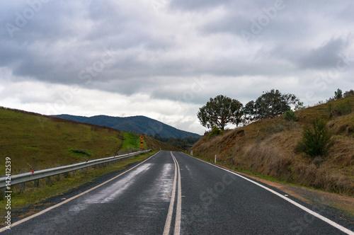 Fotografía  Australian rural road on overcast day