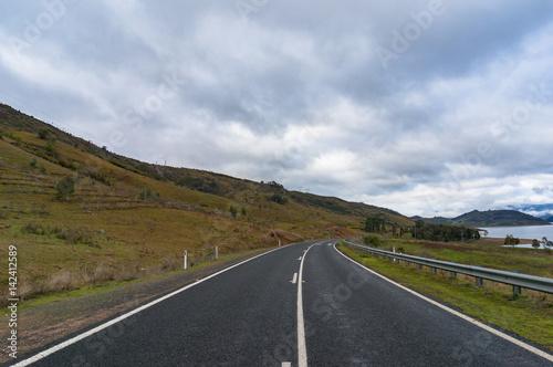 Cuadros en Lienzo Australian rural road on overcast day