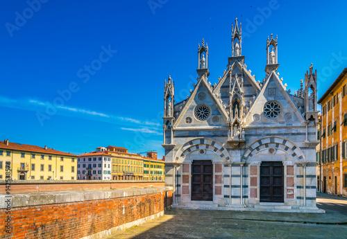 Valokuva  Santa Maria della Spina chapel in the italian city Pisa.
