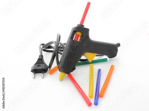 Photo pistolet à colle et colles de couleur