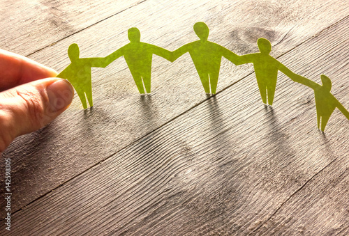 Photo Menschenkette zeigt Solidarität - Konzept