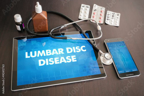 Fotografía  Lumbar disc disease (neurological disorder) diagnosis medical concept on tablet
