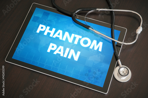 Photo  Phantom pain (neurological disorder) diagnosis medical concept on tablet screen