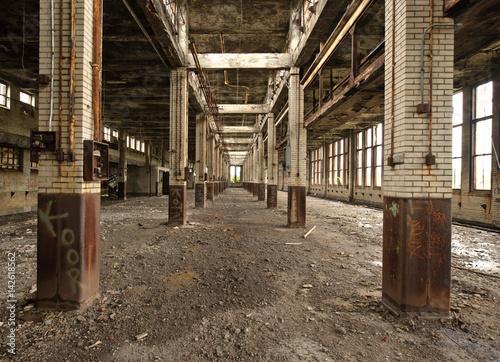 Papiers peints Les vieux bâtiments abandonnés Repeating Columns