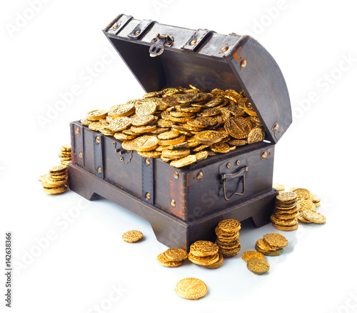 Fototapeta Open treasure chest with gold coins isolated on white