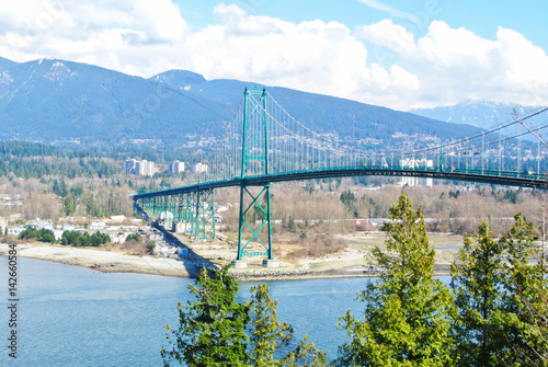 Платно Scenic View of Lions Gate Bridge in Vancouver, British Columbia, Canada
