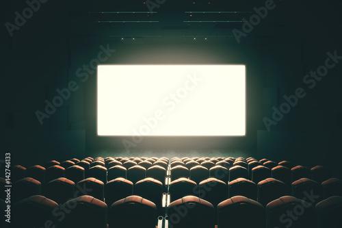 Blank cinema screen toning