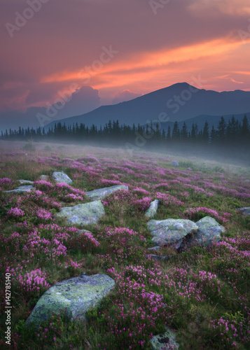 beautiful-mountain-scenery-in-romania-at-sunset
