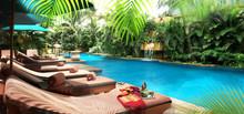 Der Dachswimming-Pool Des Ritz Carlton Hotels In Kuala Lumpur