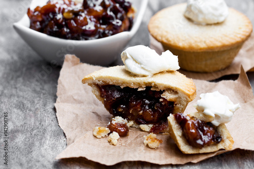 Mince  pie on baking paper Fototapet