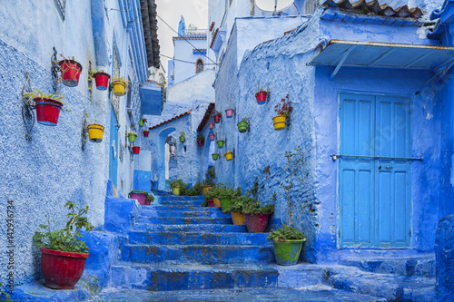 Deurstickers The beautiful blue medina of Chefchaouen in Morocco.