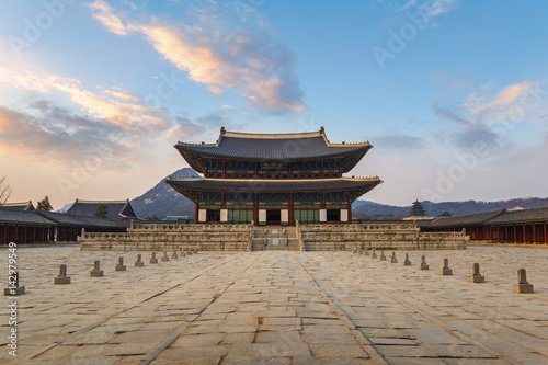 Photo sur Aluminium Seoul Gyeongbokgung Palace when sunset, Seoul, South Korea
