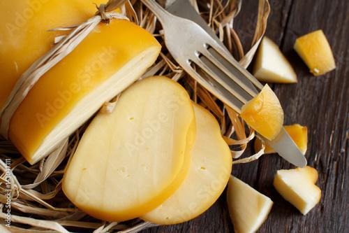 Fotografía  Scamorza, typical italian smoked cheese