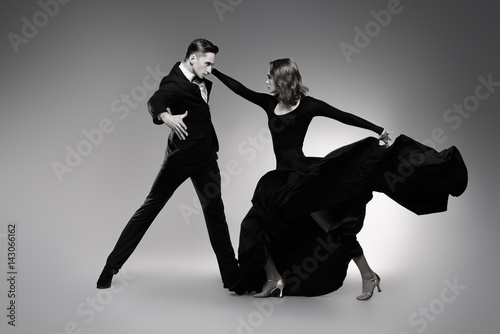 Photo expressive dancers of tango