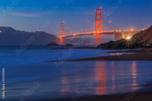 Keuken foto achterwand San Francisco Golden Gate Bridge in San Francisco from Baker Beach at sunset