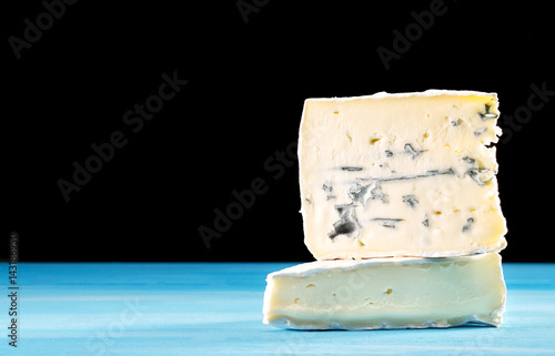 Photo Cross-section of montagnolo affine cheese