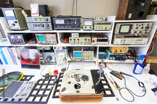 Fotografie, Obraz  The workbench of a hifi repairer