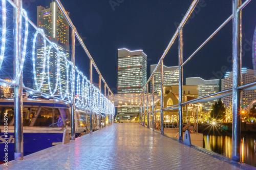 Foto op Aluminium Amusementspark 横浜の港の遊園地の夜景