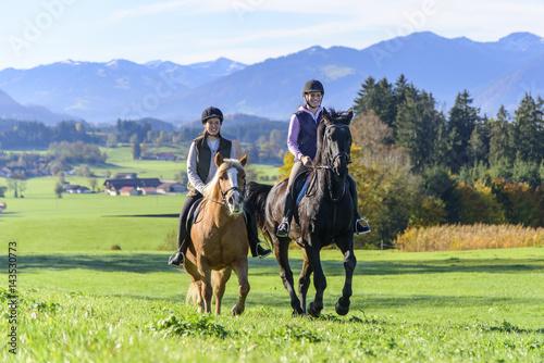 Door stickers Horseback riding gemeinsamer Ausritt im herbstlichen Allgäu