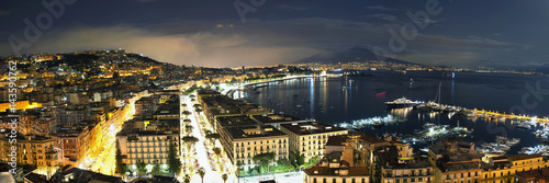 Foto auf AluDibond Neapel view of the Bay of Naples at night