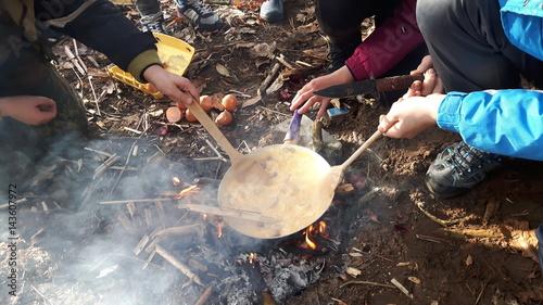 jajecznica z ogniska
