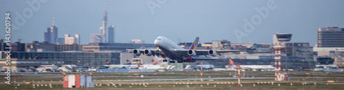 Tuinposter Luchthaven starting airplane frankfurt airport germany