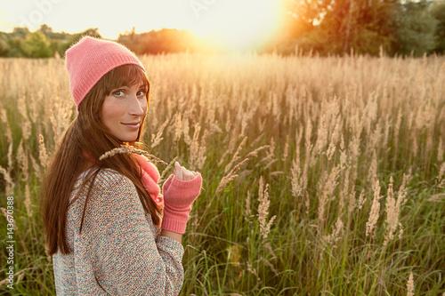 Fotografie, Obraz  carefree autumn female sorgenfrei im herbst