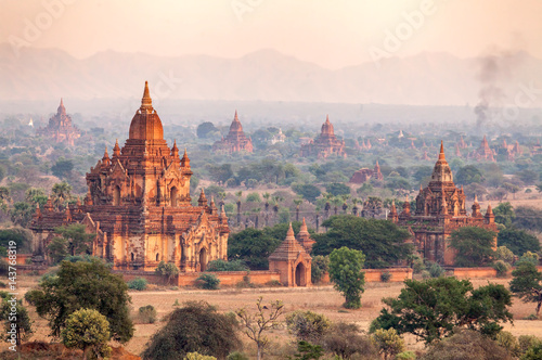 Photo landscape of Pagodas in Bagan, Myanmar (Burma)