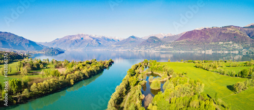 Photo Trivio di Fuentes - Foce del fiume Adda nel Lago di Como (IT) - Vista Aerea