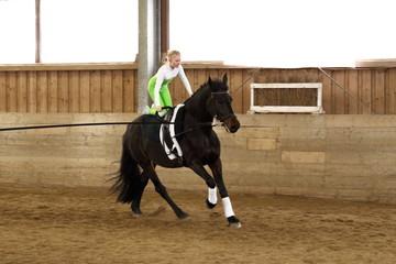 Voltigiersport auf Pferd