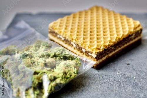 Fotografie, Obraz  Sweet and weed