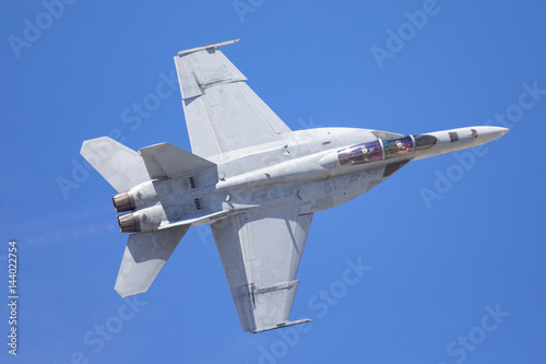 Photo F-18 Hornet in an extremely close view, with afterburners on