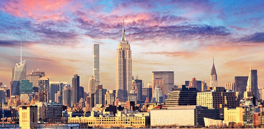 Fototapety, obrazy: Manhattan Skyline with Empire State Building over Hudson River, New York City