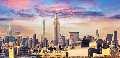 Fototapeta Manhattan Skyline with Empire State Building over Hudson River, New York City