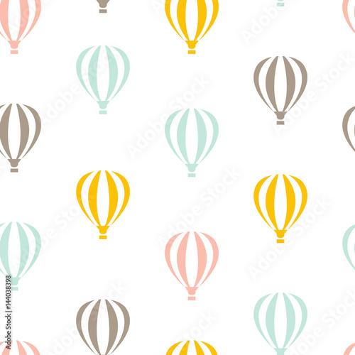 retro-bez-szwu-wzor-podrozy-balonow