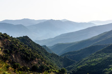 Panorama Montuoso Con Nebbioli...