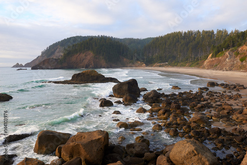 Poster Cote Oregon ocean coast at sunset. View to the Indian Beach in Ecola State Park. USA Pacific Northwest.