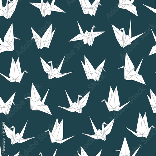 Materiał do szycia Wektor wzór z papierowych żurawi. Origami ptak rysunek. Japoński symbol szczęścia i radości