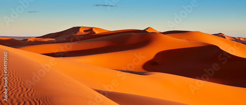 Photo sur Aluminium Maroc Sand dunes in the Sahara Desert, Merzouga, Morocco