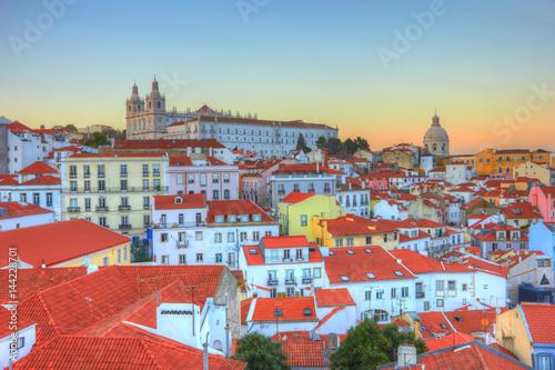 Zdjęcie XXL Stare Miasto w Lizbonie w zachodzie słońca. Portugalia