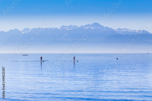 Fotografia Stand up paddle sur le lac Léman