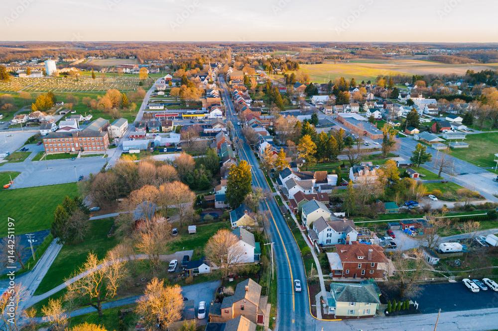 Fototapeta Aerial view of Main Street, in Shrewsbury, Pennsylvania.