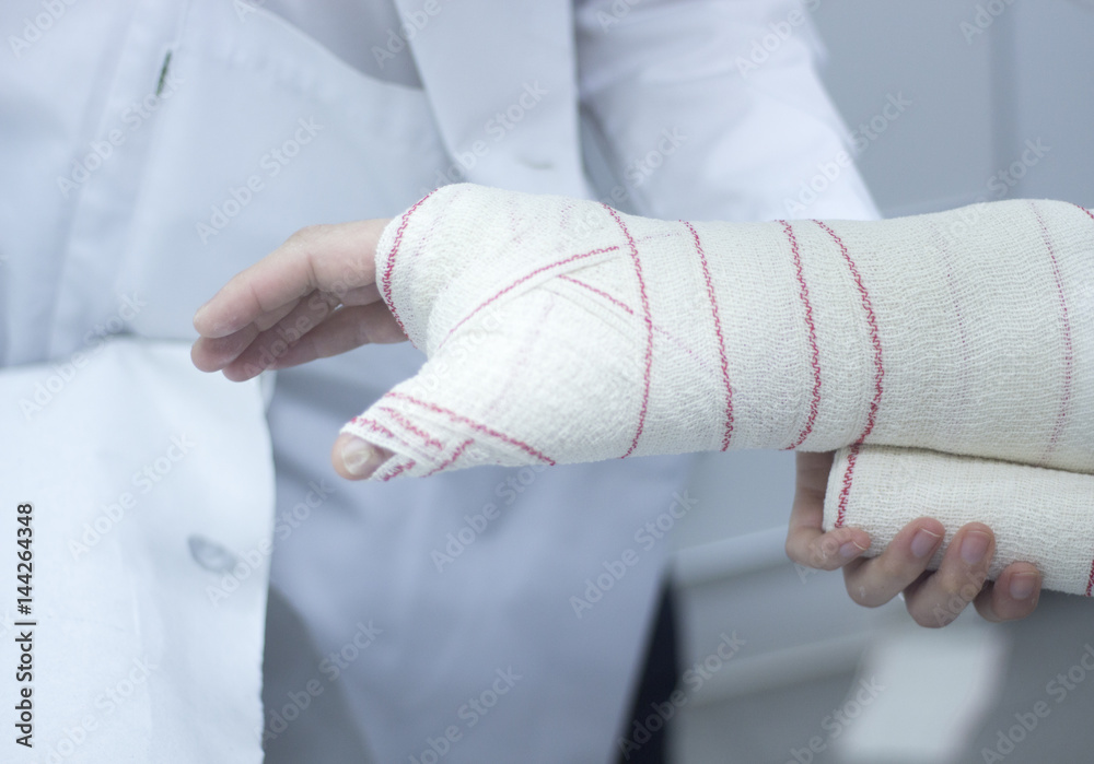 Photo & Art Print Doctor patient plaster cast | EuroPosters