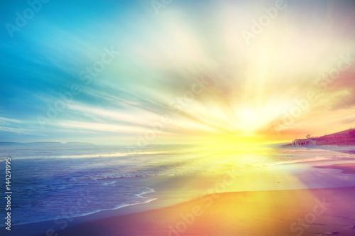 Foto op Plexiglas Zwavel geel Tramonto sul mare