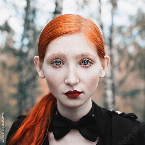 blue eyes girl ginger hair